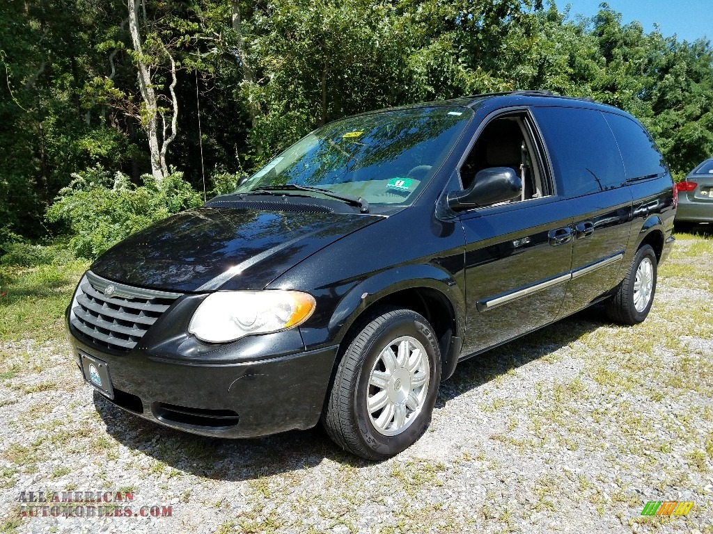 Brilliant Black / Medium Slate Gray Chrysler Town & Country Touring