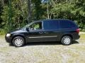 Chrysler Town & Country Touring Brilliant Black photo #5