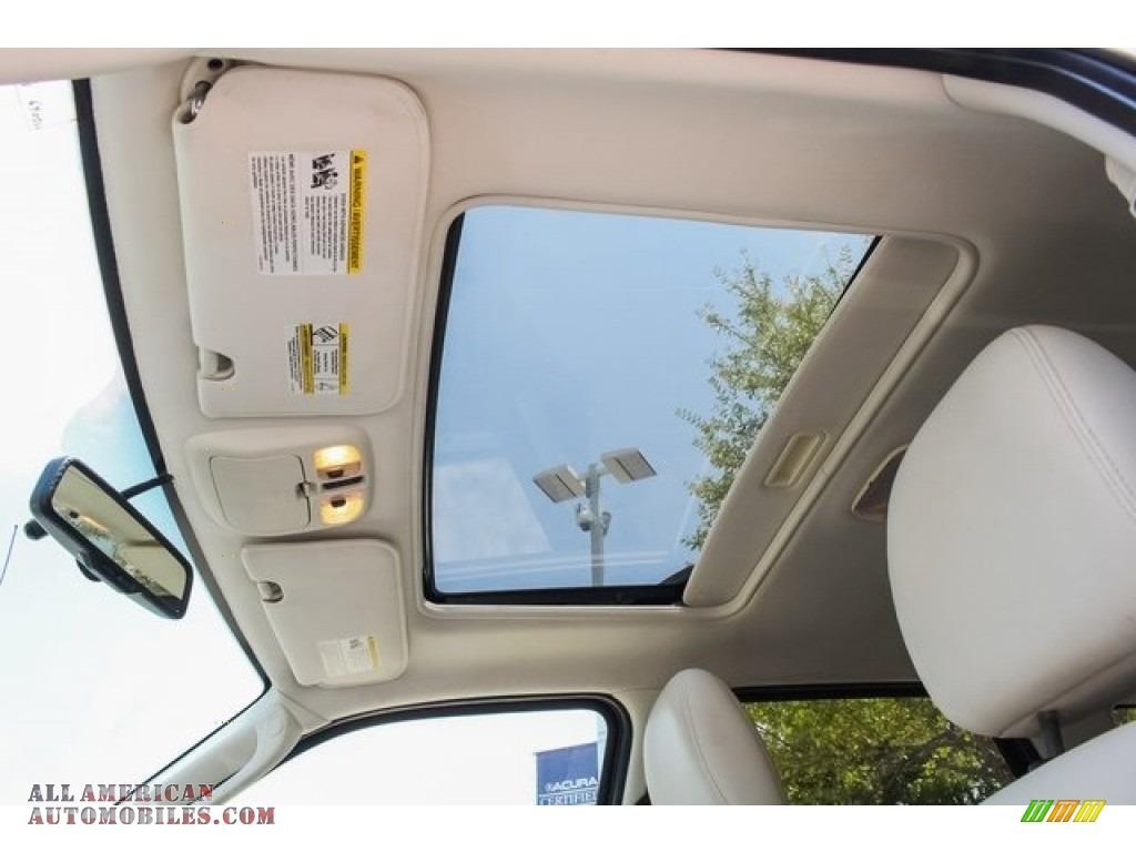 2009 Mariner Premier V6 - White Suede / Cashmere Leather/Charcoal Black photo #17