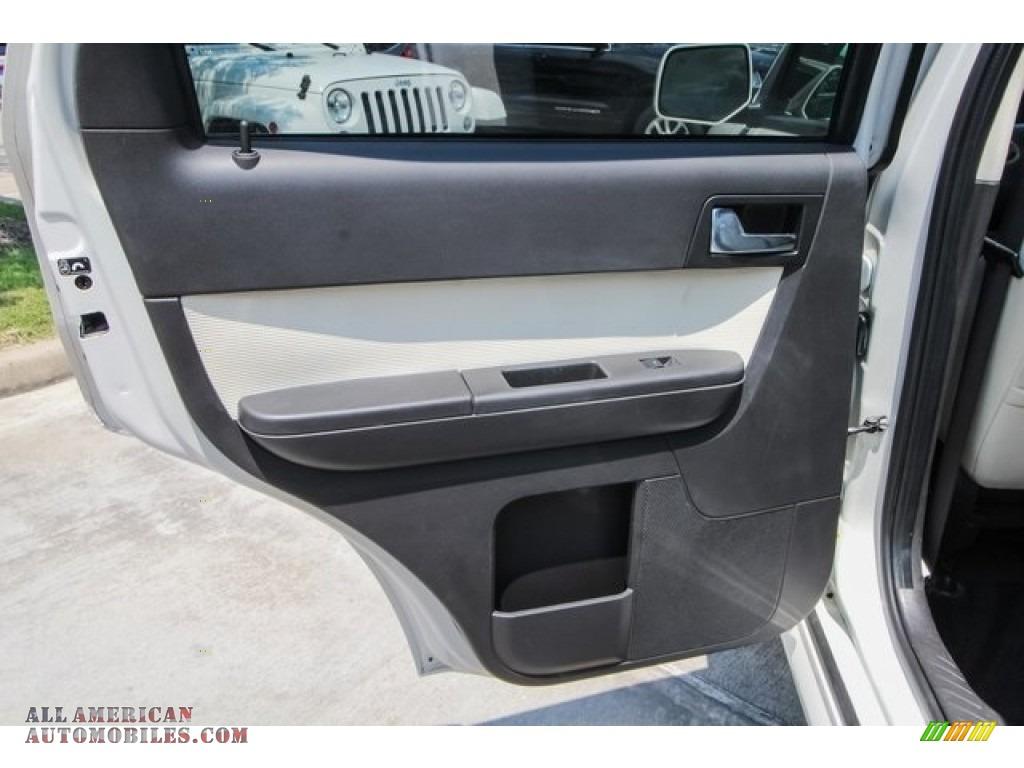 2009 Mariner Premier V6 - White Suede / Cashmere Leather/Charcoal Black photo #20