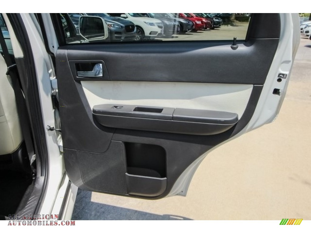 2009 Mariner Premier V6 - White Suede / Cashmere Leather/Charcoal Black photo #23