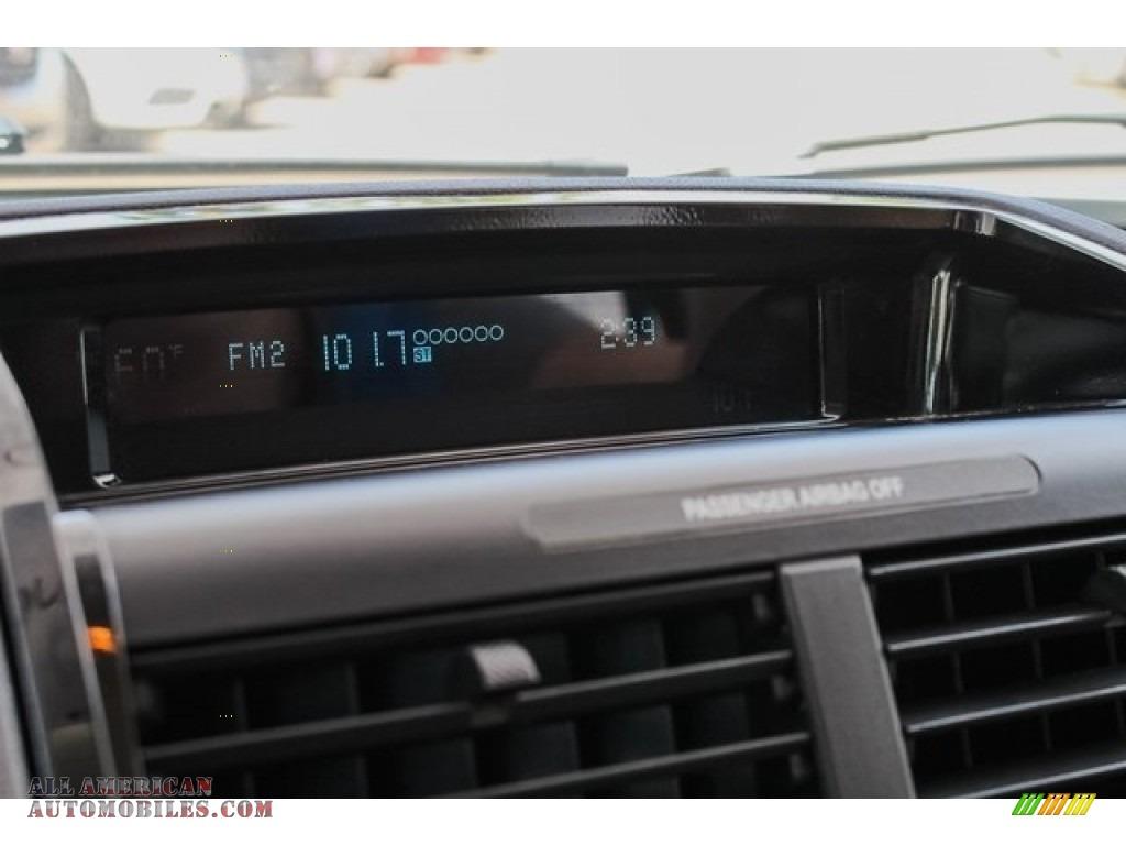 2009 Mariner Premier V6 - White Suede / Cashmere Leather/Charcoal Black photo #34