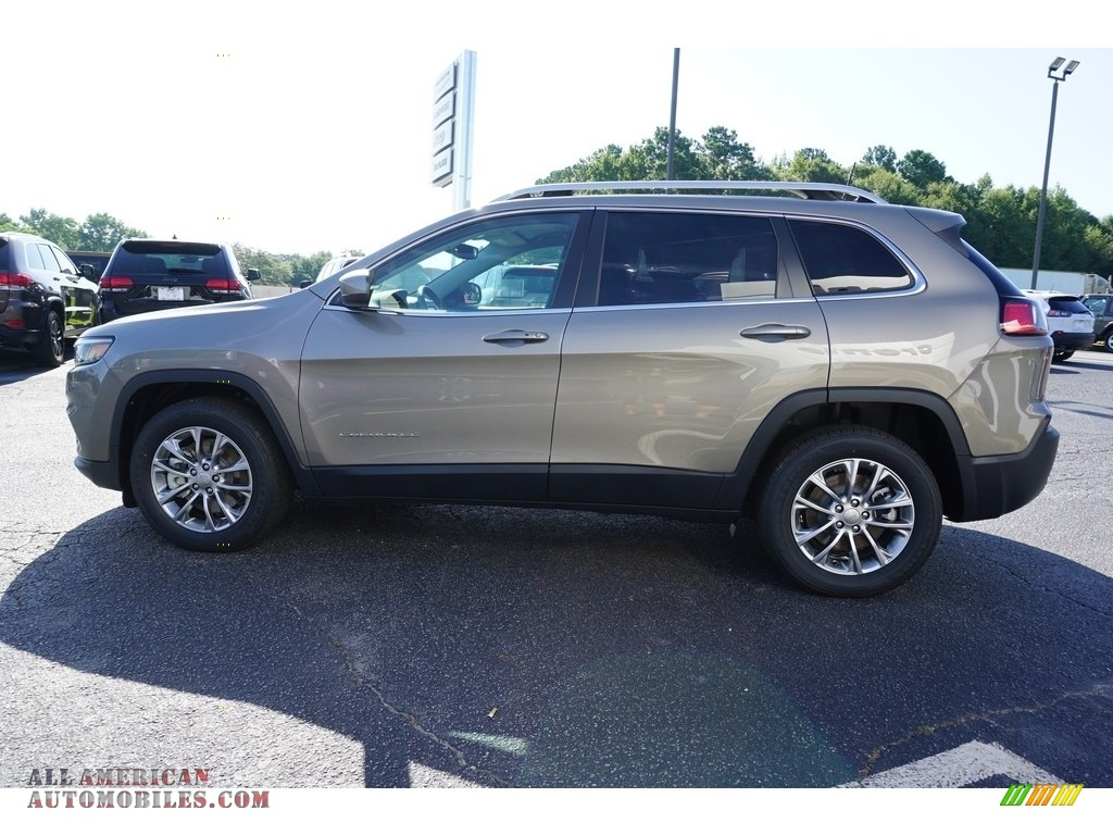 2019 Cherokee Latitude Plus - Light Brownstone Pearl / Black photo #14