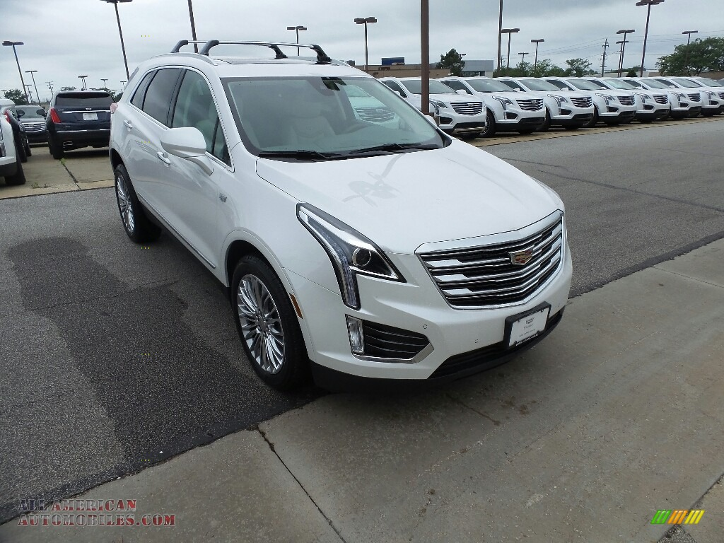 2018 XT5 Luxury AWD - Crystal White Tricoat / Cirrus photo #1