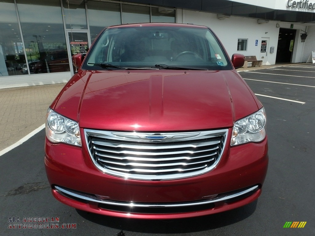 2015 Town & Country Touring - Deep Cherry Red Crystal Pearl / Black/Light Graystone photo #2