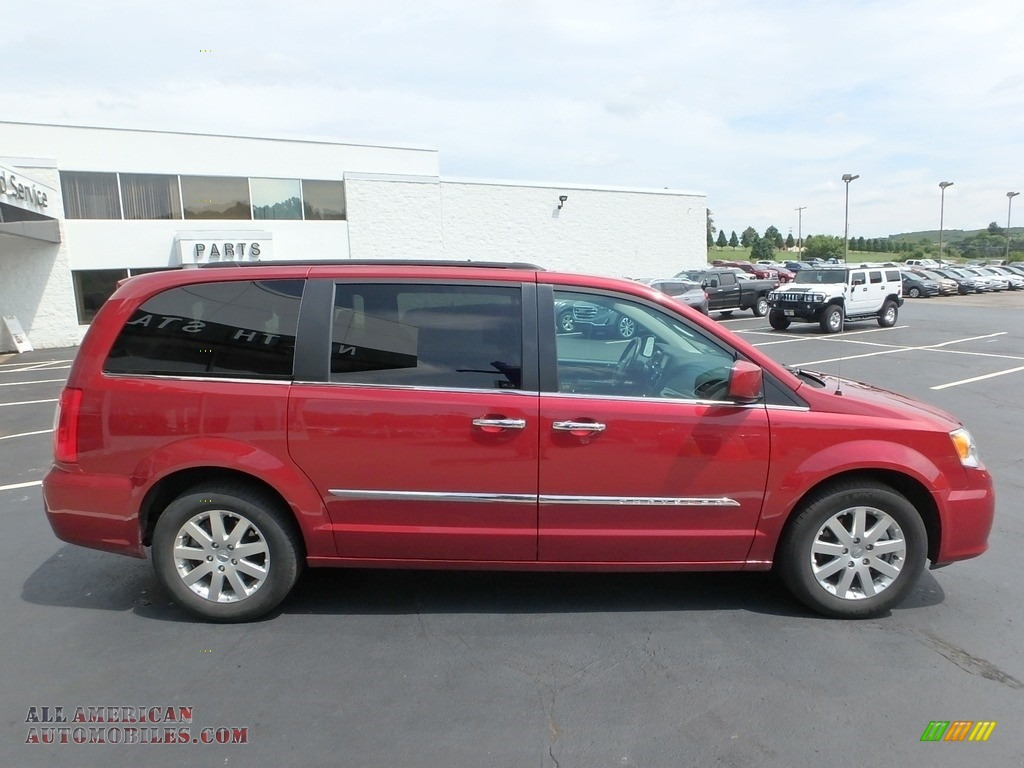 2015 Town & Country Touring - Deep Cherry Red Crystal Pearl / Black/Light Graystone photo #5