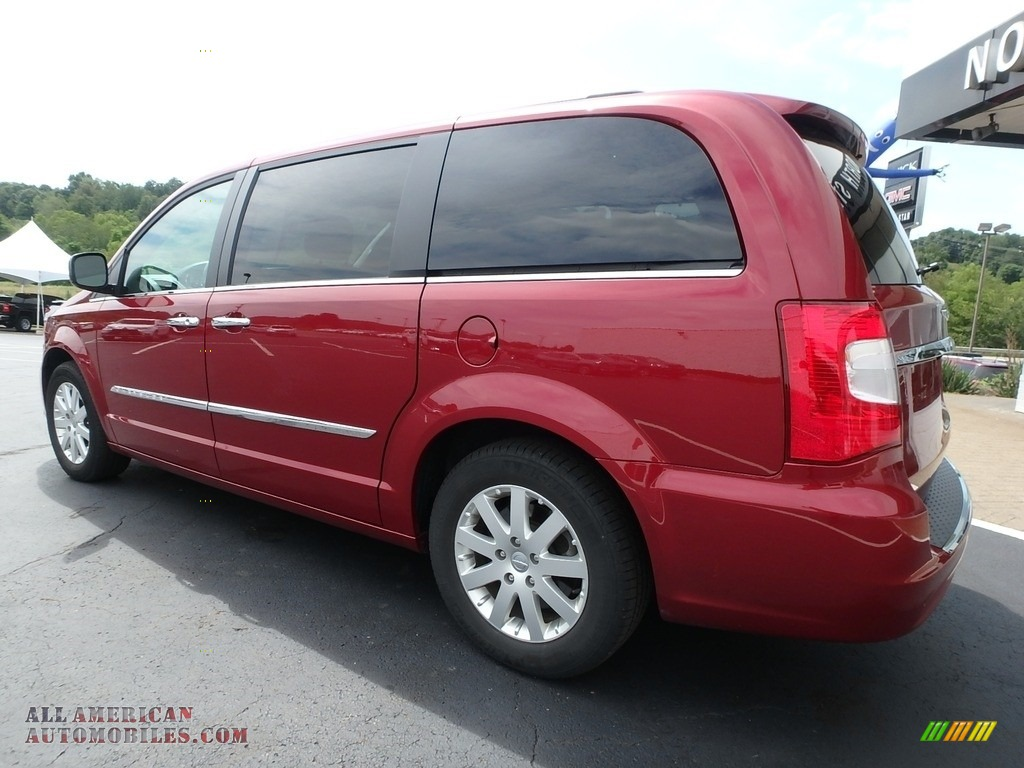 2015 Town & Country Touring - Deep Cherry Red Crystal Pearl / Black/Light Graystone photo #13