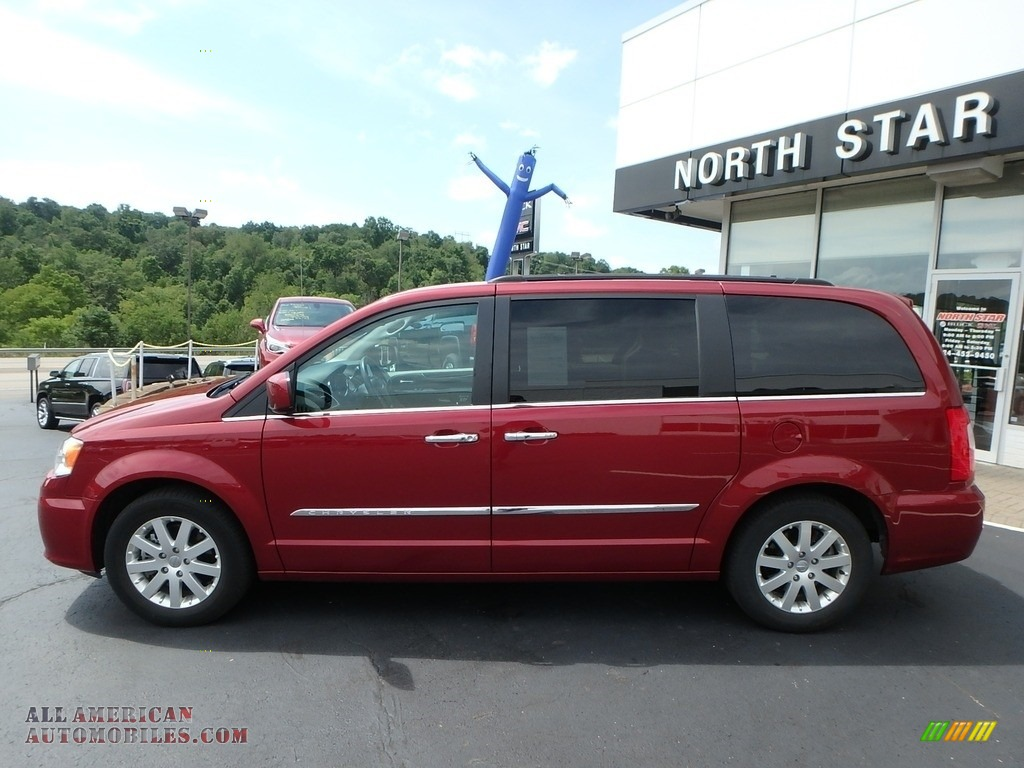2015 Town & Country Touring - Deep Cherry Red Crystal Pearl / Black/Light Graystone photo #14