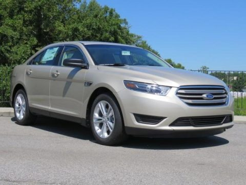 White Gold 2018 Ford Taurus SE