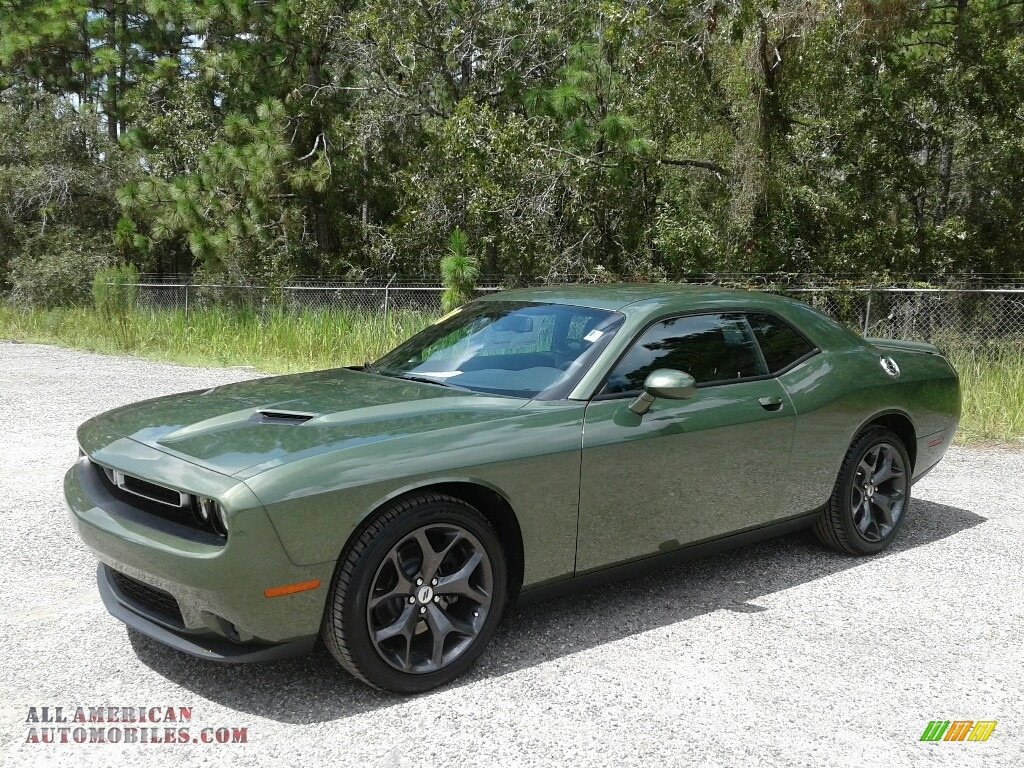 2018 Challenger SXT - F8 Green / Black photo #1