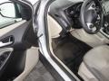 Ford Focus SE Sedan Ingot Silver photo #31