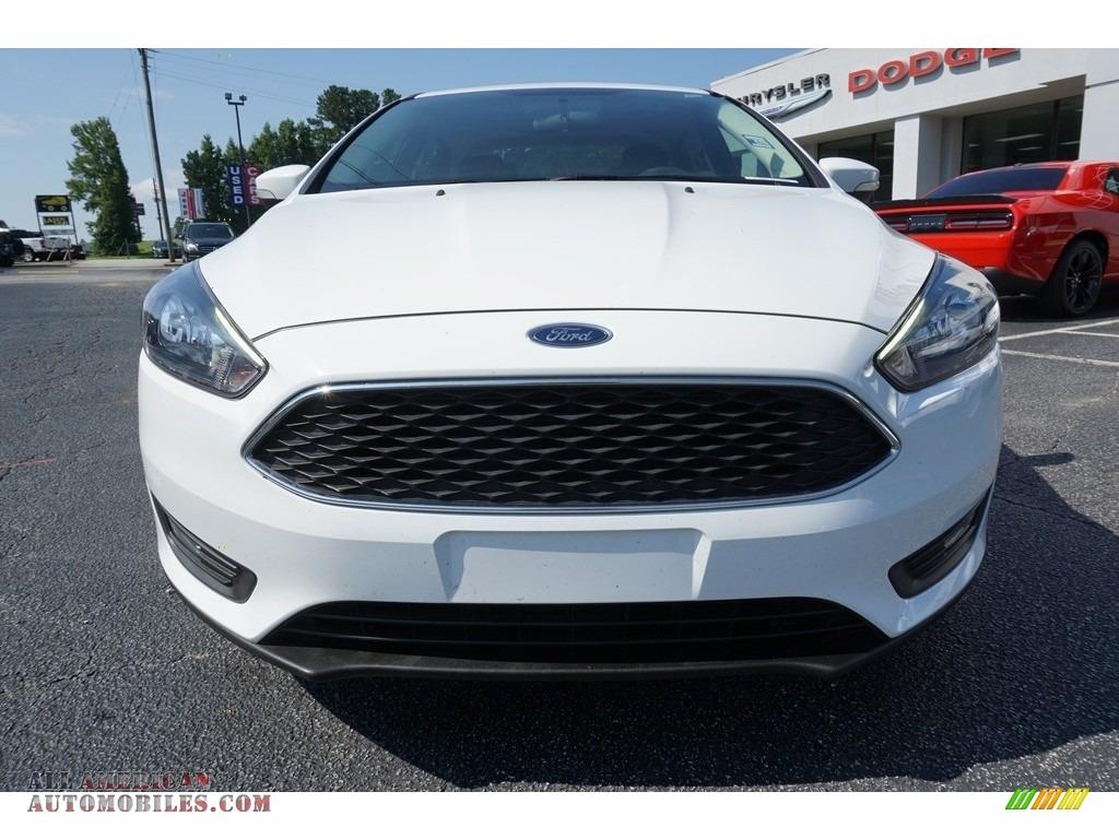 2017 Focus SEL Sedan - Oxford White / Charcoal Black photo #2