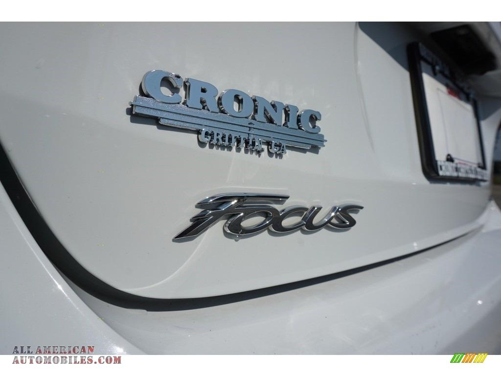 2017 Focus SEL Sedan - Oxford White / Charcoal Black photo #17