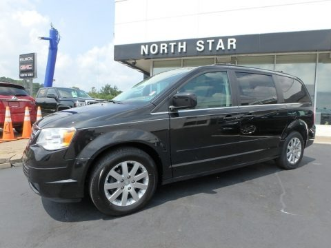 Brilliant Black Crystal Pearlcoat 2008 Chrysler Town & Country Touring