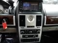 Chrysler Town & Country Touring Brilliant Black Crystal Pearl photo #19
