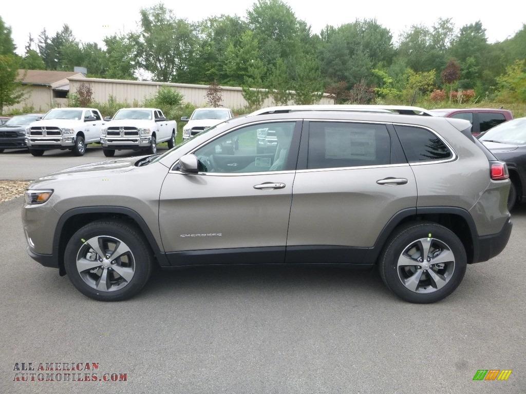 2019 Cherokee Limited 4x4 - Light Brownstone Pearl / Black/Ski Grey photo #2