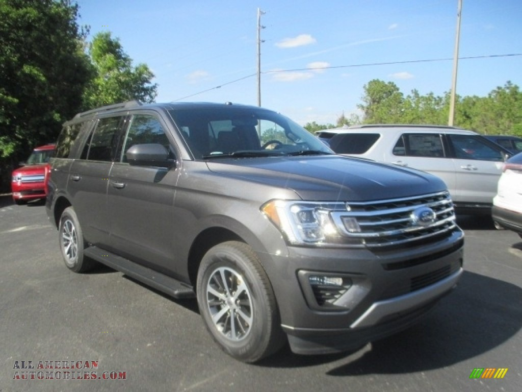 Magnetic / Ebony Ford Expedition XLT