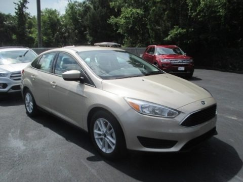 White Gold 2018 Ford Focus SE Sedan
