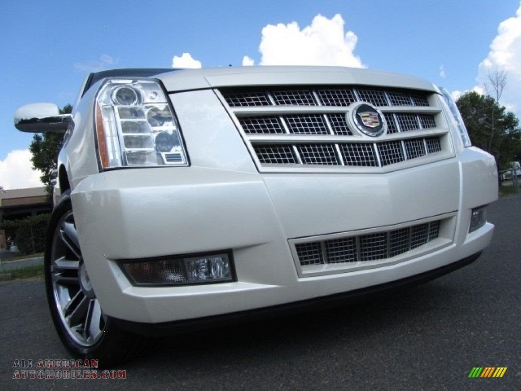 White Diamond Tricoat / Cashmere/Cocoa Cadillac Escalade Premium AWD