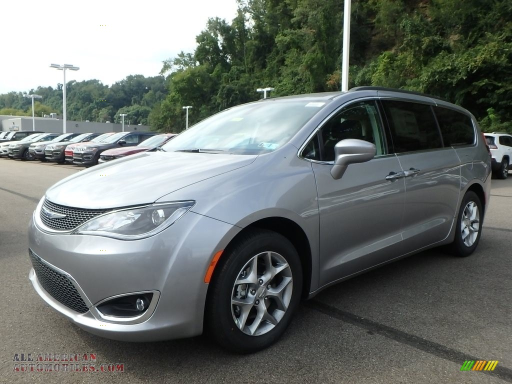 2019 Pacifica Touring Plus - Billet Silver Metallic / Black/Alloy photo #1