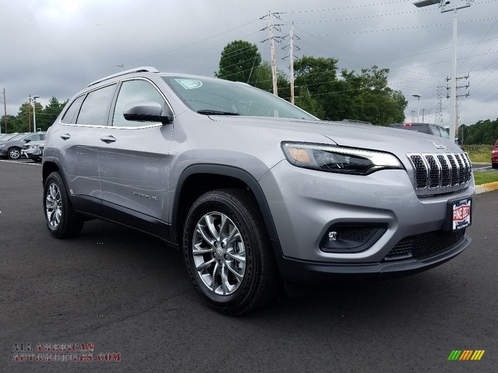 2019 Cherokee Latitude Plus 4x4 - Billet Silver Metallic / Black photo #1