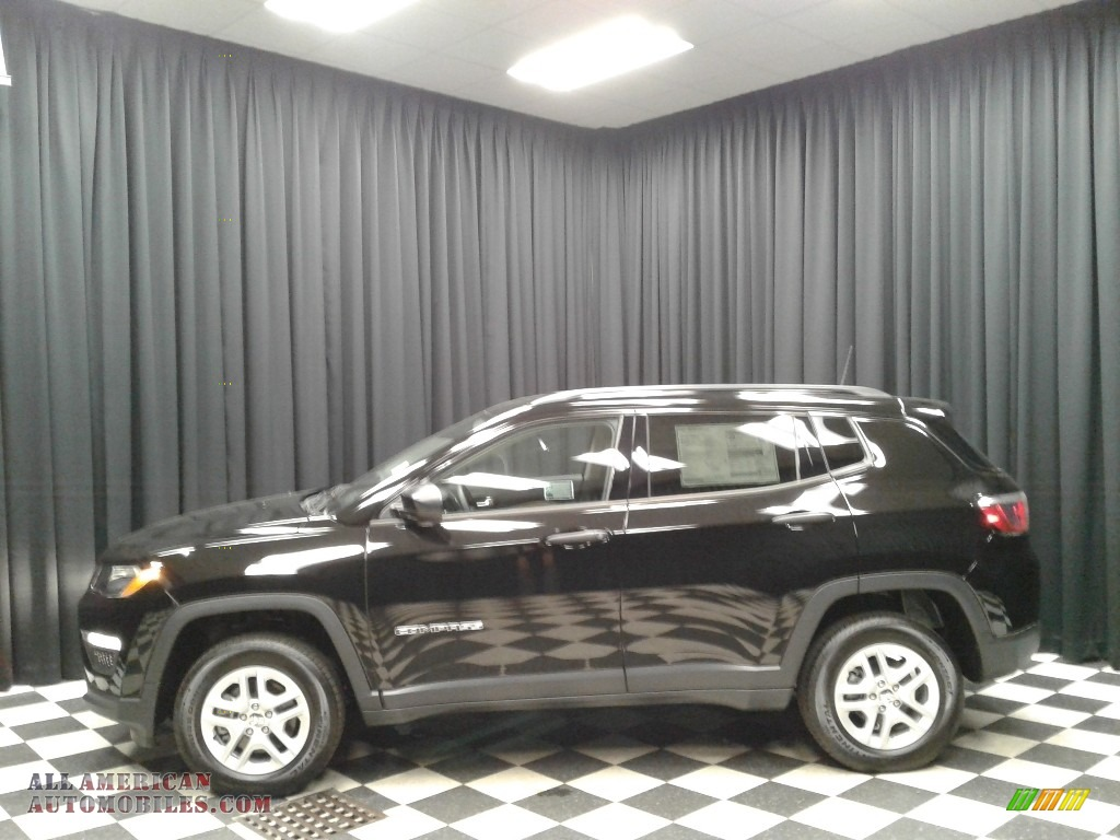 Diamond Black Crystal Pearl / Black Jeep Compass Sport 4x4