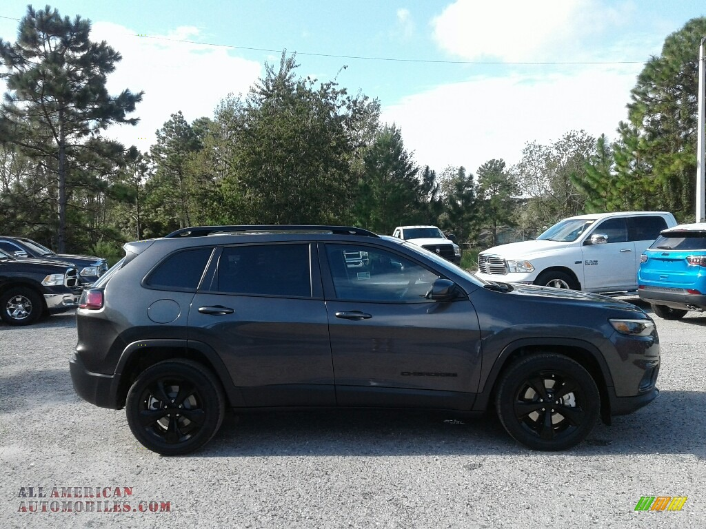 2019 Cherokee Latitude Plus - Granite Crystal Metallic / Black photo #6