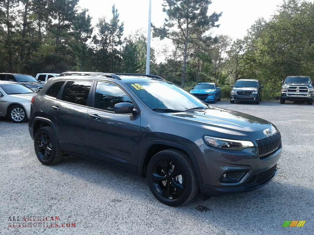 2019 Cherokee Latitude Plus - Granite Crystal Metallic / Black photo #7