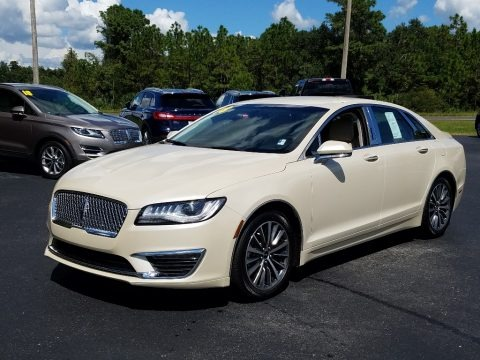 Ivory Pearl 2018 Lincoln MKZ Premier