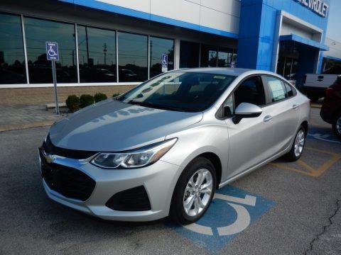 Silver Ice Metallic 2019 Chevrolet Cruze LS