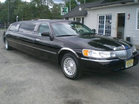Black 2000 Lincoln Town Car Executive Limousine