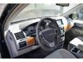 Chrysler Town & Country Limited Brilliant Black Crystal Pearlcoat photo #10
