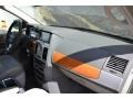 Chrysler Town & Country Limited Brilliant Black Crystal Pearlcoat photo #17