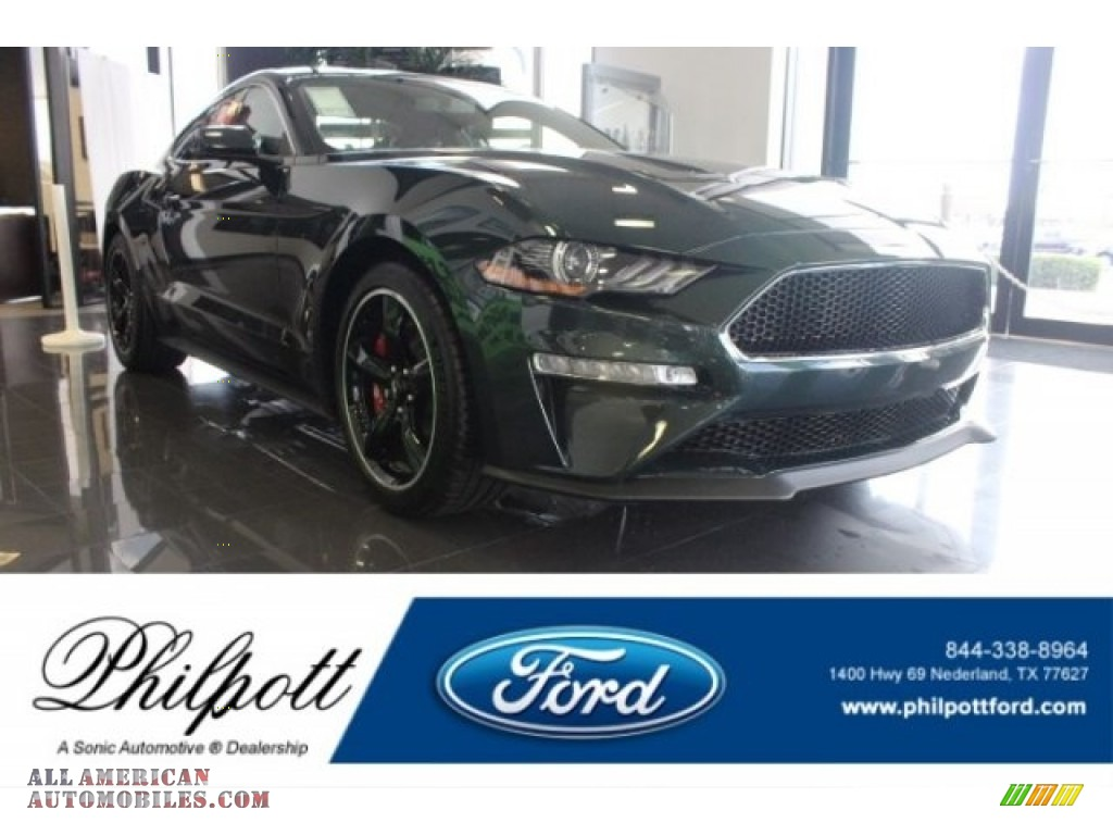 Dark Highland Green / Ebony Ford Mustang Bullitt