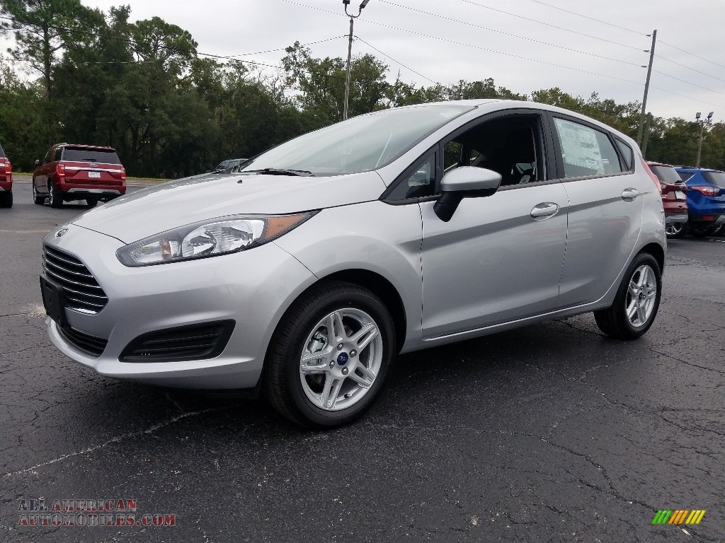 2018 Fiesta SE Hatchback - Ingot Silver / Charcoal Black photo #1