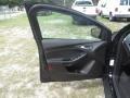 Ford Focus SE Hatch Shadow Black photo #14