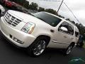Cadillac Escalade Premium AWD White Diamond Tricoat photo #32