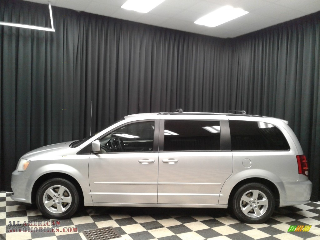 Bright Silver Metallic / Black/Light Graystone Dodge Grand Caravan SXT