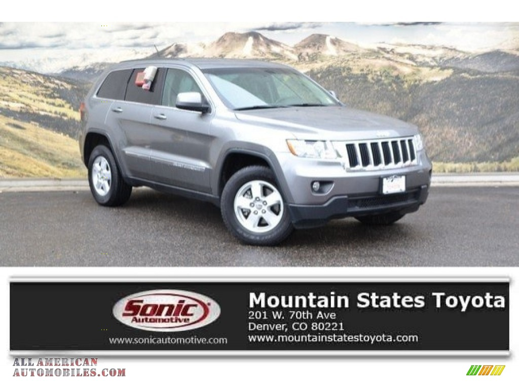 2013 Grand Cherokee Laredo 4x4 - Mineral Gray Metallic / Dark Graystone/Medium Graystone photo #1