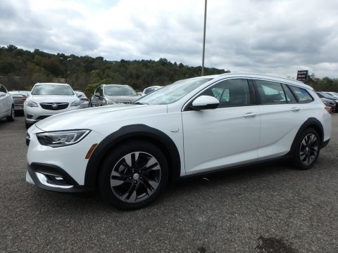Summit White 2018 Buick Regal TourX Essence AWD