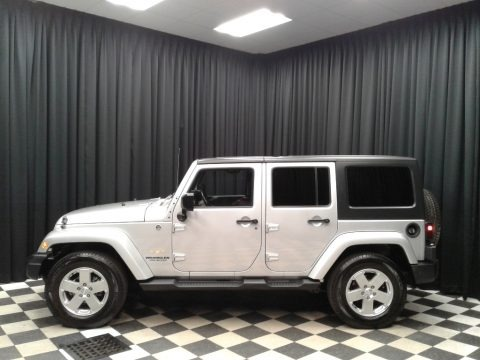 Bright Silver Metallic 2011 Jeep Wrangler Unlimited Sahara 4x4