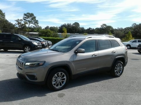 Light Brownstone Pearl 2019 Jeep Cherokee Latitude Plus