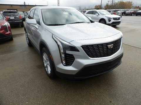 Radiant Silver Metallic 2019 Cadillac XT4 Luxury