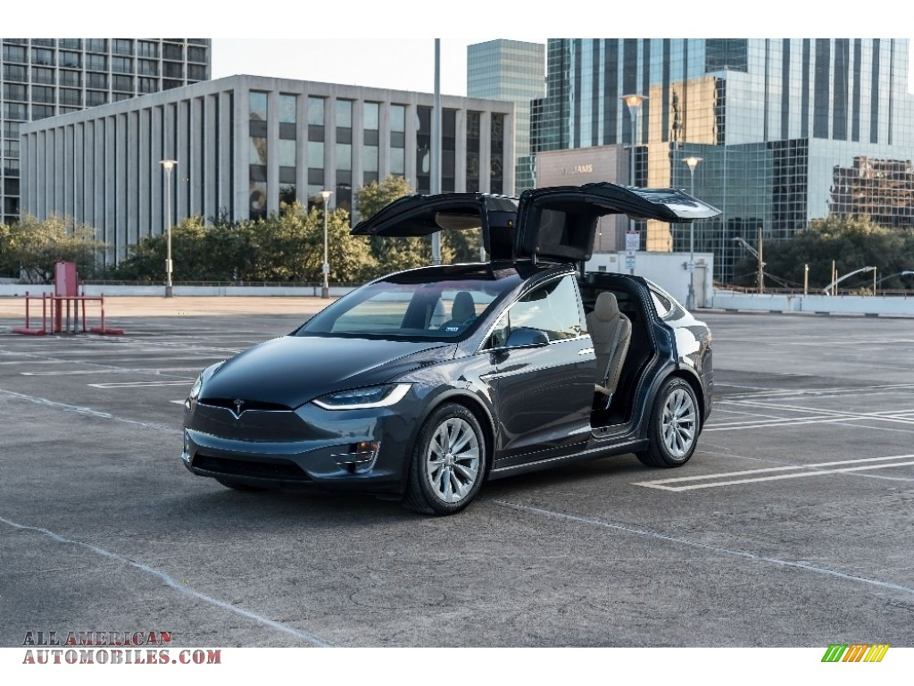 Titanium Metallic / Tan Tesla Model X 90D