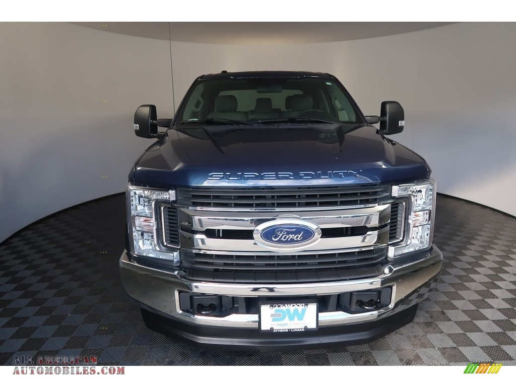 2018 F250 Super Duty XLT Crew Cab 4x4 - Blue Jeans / Earth Gray photo #5