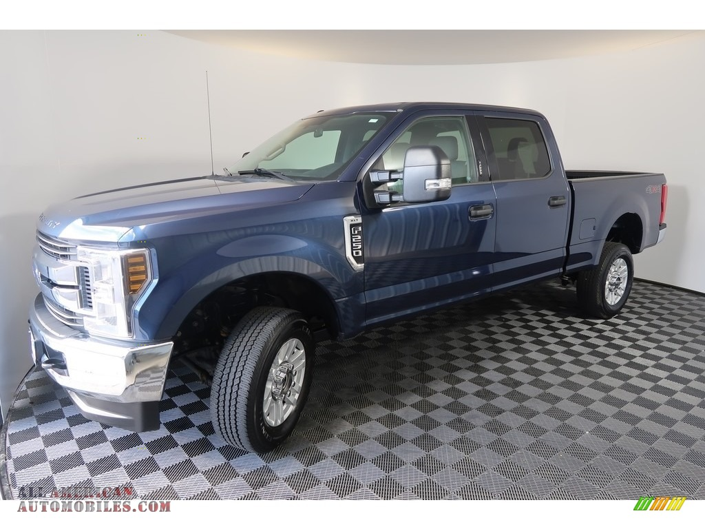 2018 F250 Super Duty XLT Crew Cab 4x4 - Blue Jeans / Earth Gray photo #6