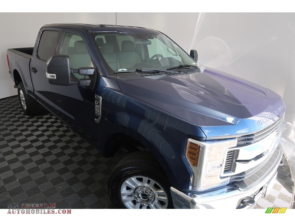 2018 F250 Super Duty XLT Crew Cab 4x4 - Blue Jeans / Earth Gray photo #8
