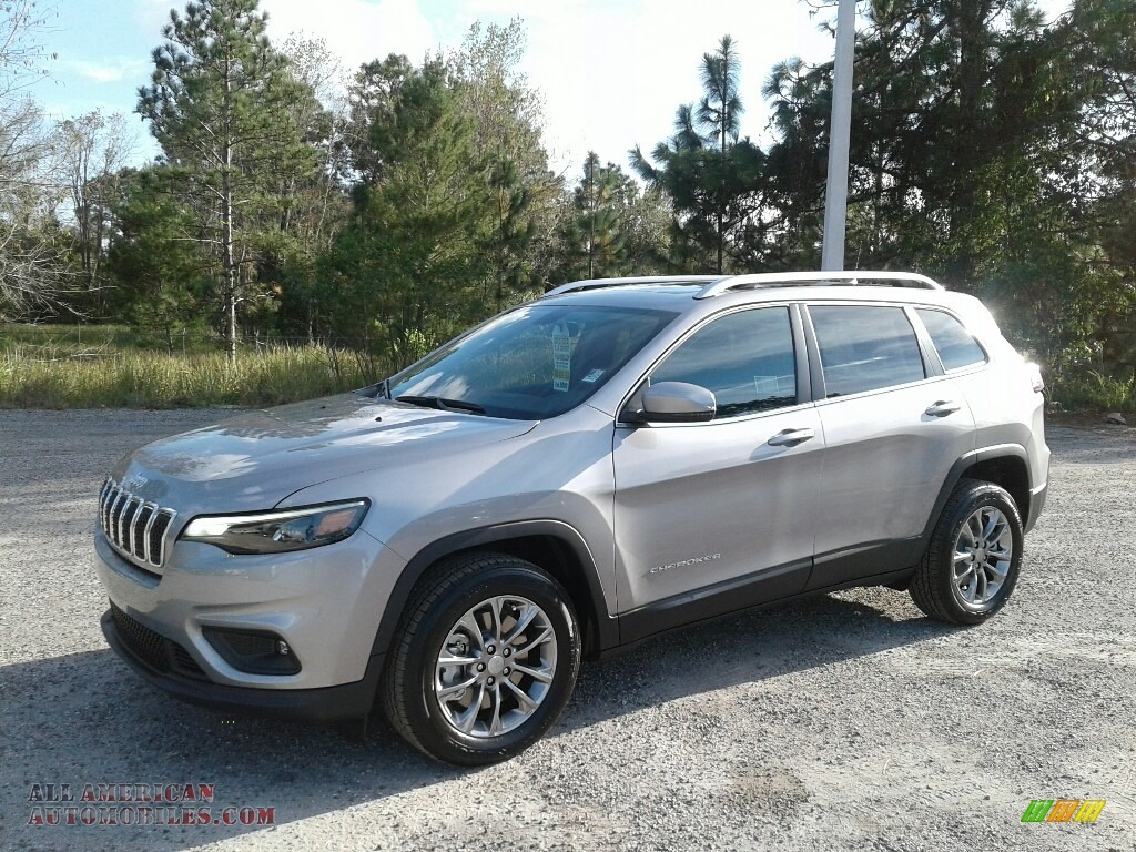 2019 Cherokee Latitude Plus - Billet Silver Metallic / Black photo #1