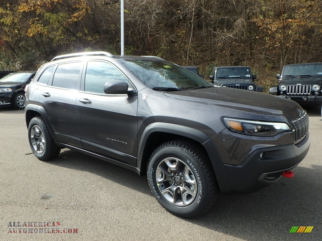 2019 Cherokee Trailhawk 4x4 - Granite Crystal Metallic / Black photo #1