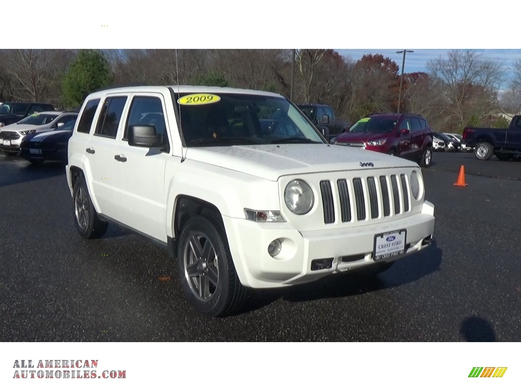 Stone White / Dark Slate Gray/Medium Slate Gray Jeep Patriot Sport 4x4